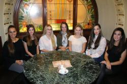 Kristýna Zgaburová, Adéla Křelinová, Betty Bubníková, Míša Kverková, Sabina Štaubertová, Aneta Macourková a Kateřina Krásová